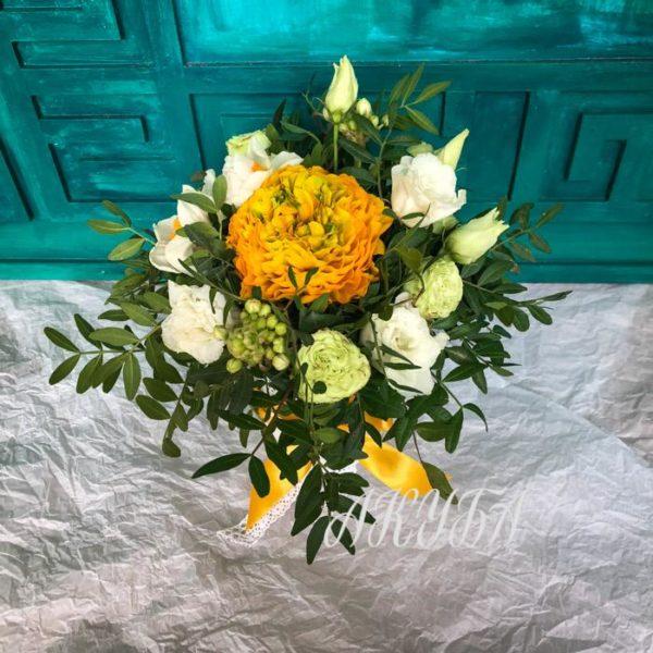 Роза кустовая Хайп