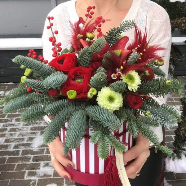 Букеты и композиции из цветов на Новый Год и Рождество